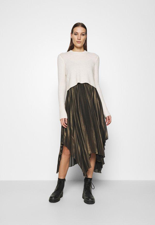 LERIN DRESS 2-IN-1 - Vestito estivo - alabaster/gold