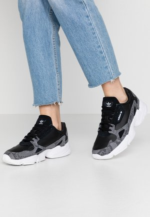 Sneakers - clear black/footwear white