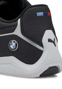 Puma - PUMA BMW M MOTORSPORT DRIFT CAT 8 RUNNING SHOES MALE - Sneakers - puma black-puma black - 6