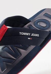 Tommy Jeans - BEACH  - Japonki - blue - 5