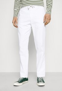 Lindbergh - ELASTIC WAIST PANTS - Trousers - white - 0