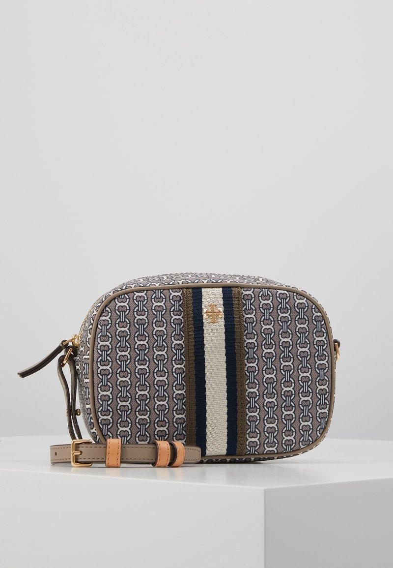 Tory Burch - GEMINI LINK MINI BAG - Across body bag - gray heron link