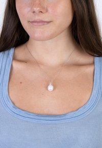 Nordahl Jewellery - MIT SÜSSWASSERPERLE  - Necklace - silver - 0