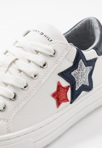 Tommy Hilfiger - Trainers - white/blue/red - 5