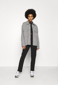 New Look - ELASTIC HEM SET - Sweatshirt - black - 1