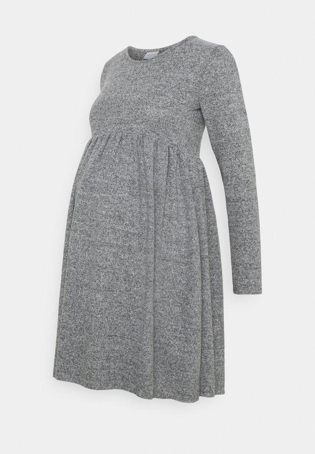 MLCAILA DRESS - Sukienka dzianinowa - grey/melange