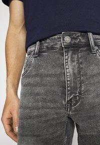 s.Oliver - Denim shorts - grey - 5