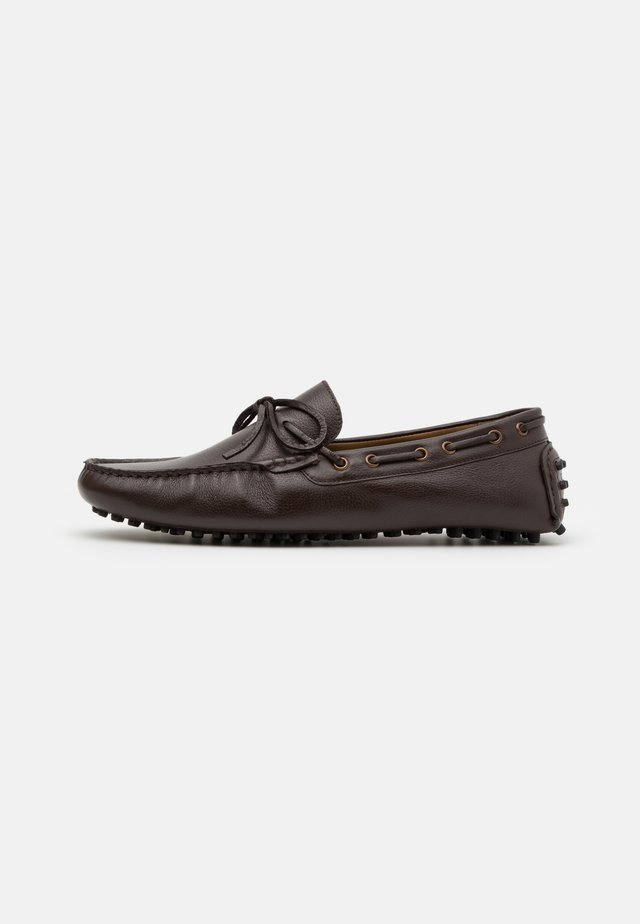 SANTINO LACE DRIVER - Mocassins - brown