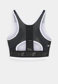 Nike Performance - Sports-BH-er med medium støtte - black/white - 1