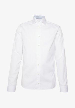 SUPER SLIM FIT - Camicia elegante - white