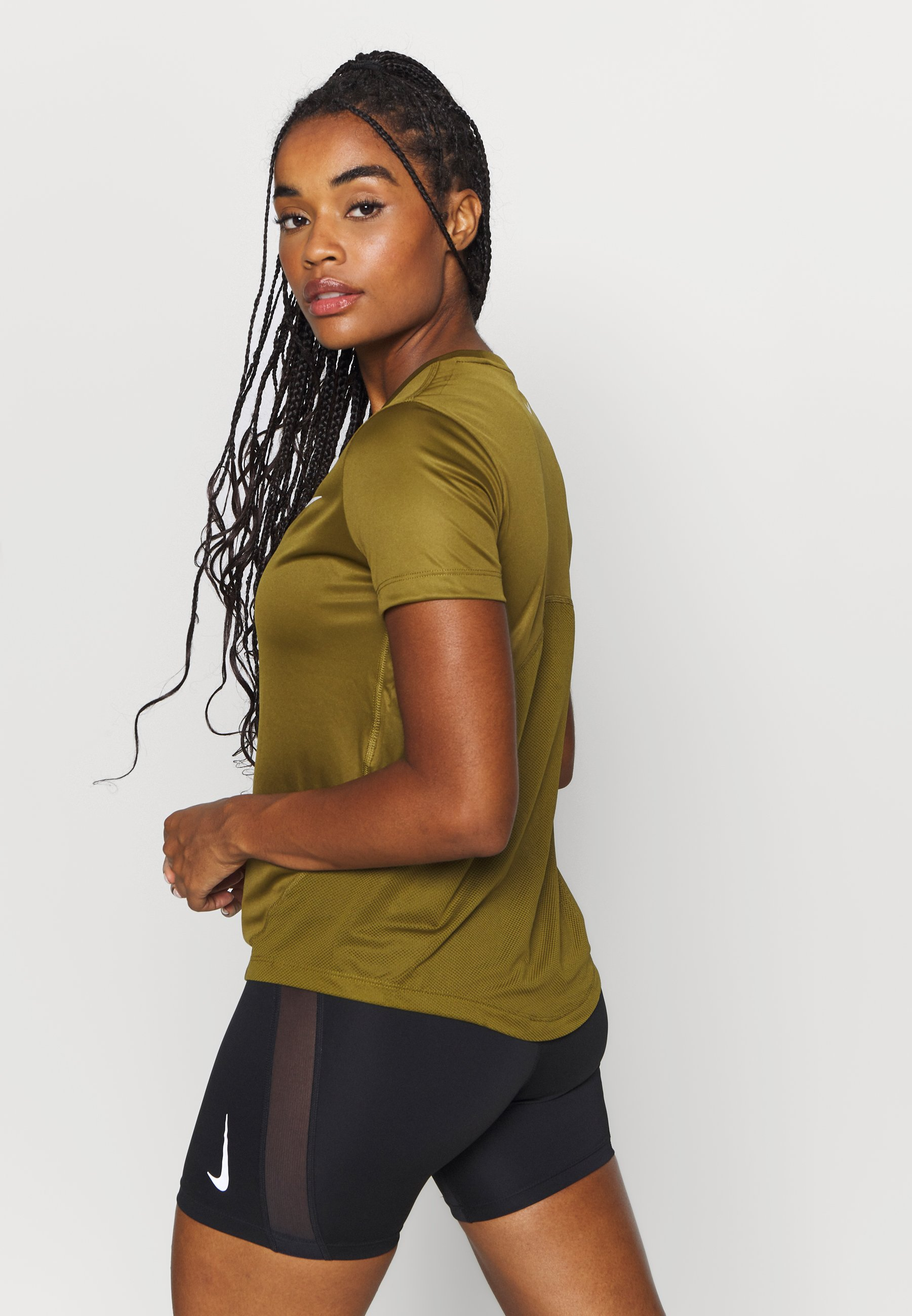 Nike Performance MILER  - Print T-shirt - olive flak/reflective silver CgDSj