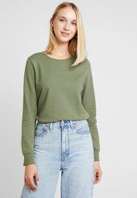 Noisy May - NMPANA SOLID - Sweatshirt - olivine - 0