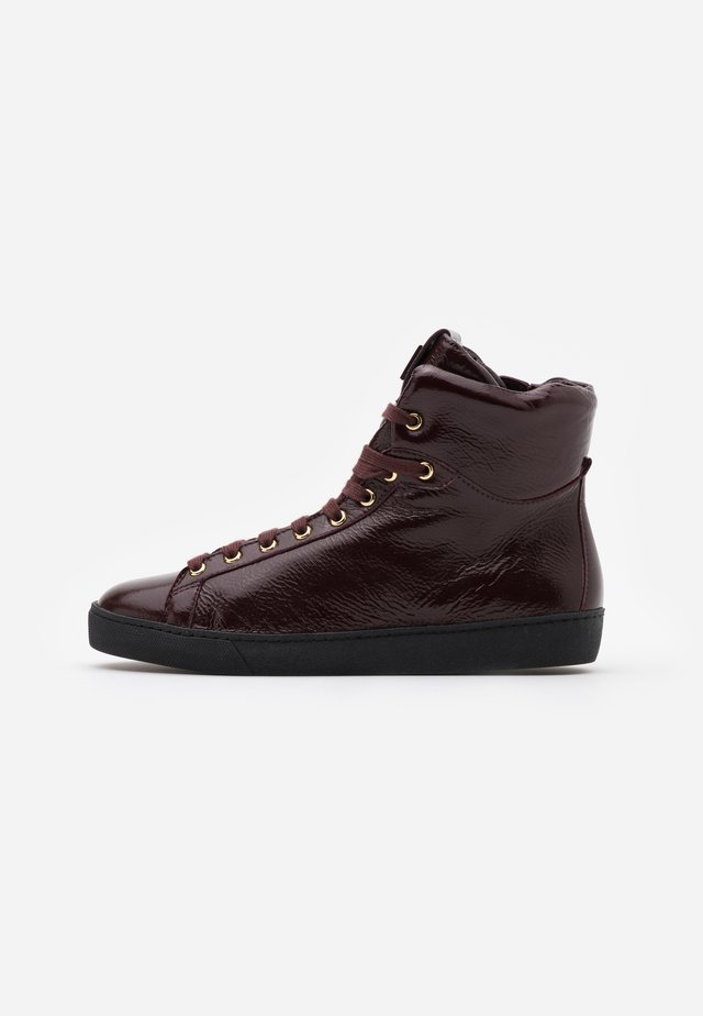 High-top trainers - bordeaux