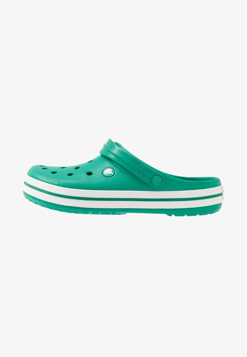 Crocs - CROCBAND UNISEX - Zuecos - deep green/white