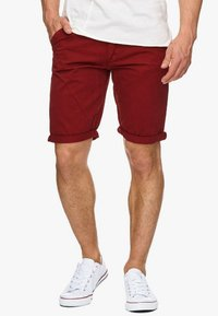 INDICODE JEANS - CASUAL FIT - Shorts - dark red - 0