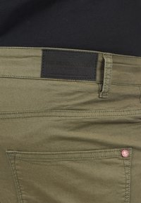 Solid - Jeansshort - dusty olive - 5