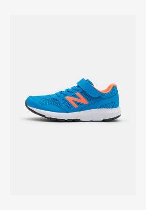 570 UNISEX - Obuwie do biegania treningowe - blue/orange