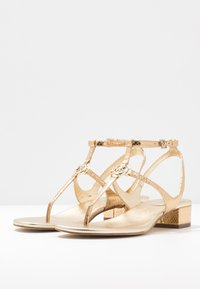 MICHAEL Michael Kors - LITA THONG - Sandals - pale gold - 4