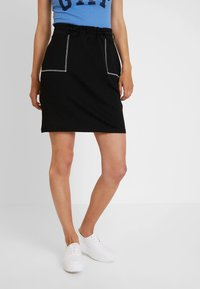 edc by Esprit - SKIRT SOLID - Spódnica mini - black - 0