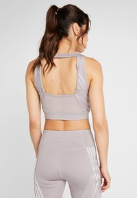 Under Armour - MISTY CROP - Topper - tetra gray - 2