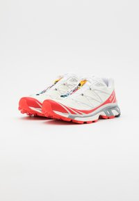 Salomon - SHOES XT-6 ADV UNISEX - Sneakers basse - vanilla ice/white/racing red - 3