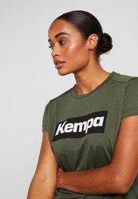 Kempa - LAGANDA WOMEN - T-shirts print - deep green - 3