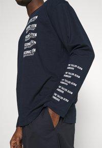 TOM TAILOR DENIM - LONG SLEEVE WITH PRINT - Långärmad tröja - sky captain blue - 4
