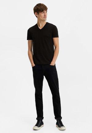 HERREN-BASIC T-SHIRT - Basic T-shirt - black