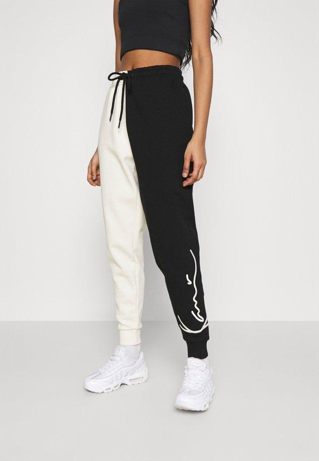 SIGNATURE BLOCK - Pantaloni sportivi - off-white