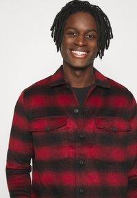 AllSaints - BETHUNE  - Shirt - red/black - 3