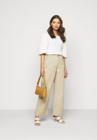 Dr.Denim Petite - ECHO - Relaxed fit jeans - cashew - 1