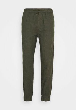 TRUC CUFF - Pantaloni - ivy green