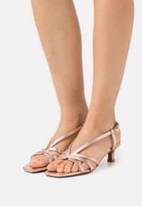 Alma en Pena - Sandals - rose - 0