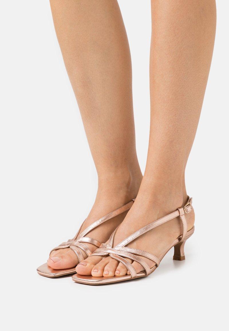 Alma en Pena - Sandals - rose