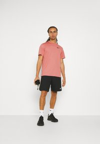 Nike Performance - DRY  - T-Shirt basic - canyon rust/rust pink/black - 1
