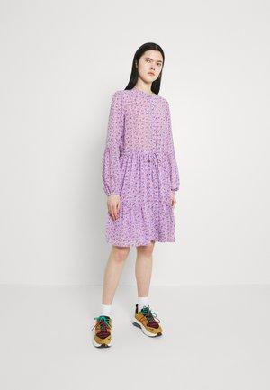 ESTY - Skjortekjole - lavender