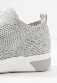 LOVE OUR PLANET by MARCO TOZZI - Sneakers laag - light grey - 2