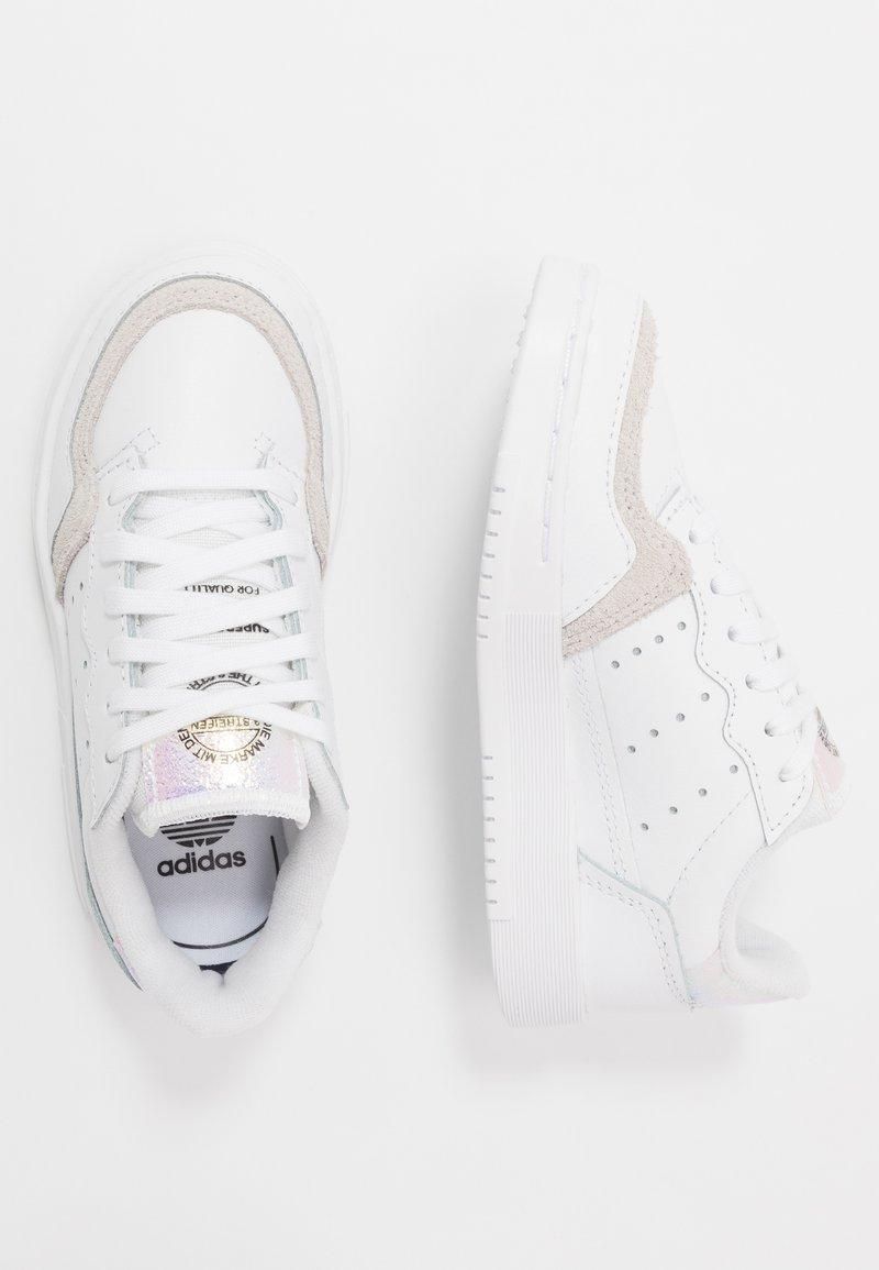 adidas Originals - SUPERCOURT - Trainers - footwear white/core black