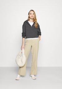NU-IN - ELASTICATED HEM HALF ZIP HOODIE - Sweatshirt - dark grey - 1