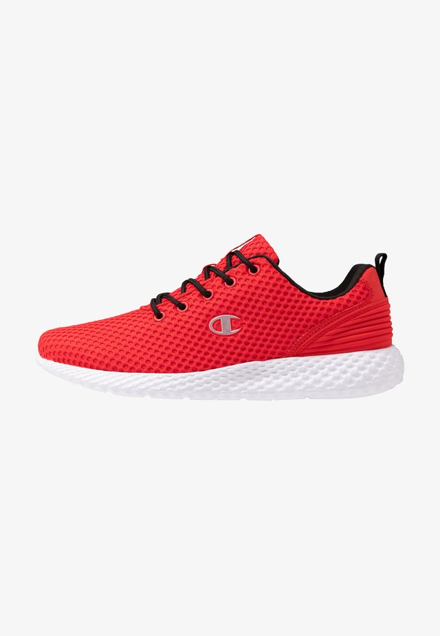 LOW CUT SHOE SPRINT - Chaussures de running neutres - red