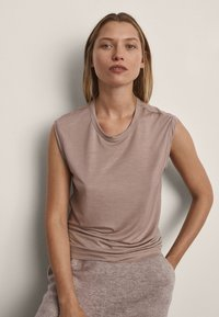 Massimo Dutti - Basic T-shirt - nude - 0