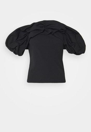 RUFFLE NECK BARDOT - Printtipaita - black