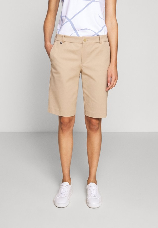 BERMUDA - Shorts - birch tan