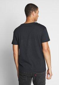 Jack & Jones - JORLEOSKULL TEE - T-shirt print - black - 2
