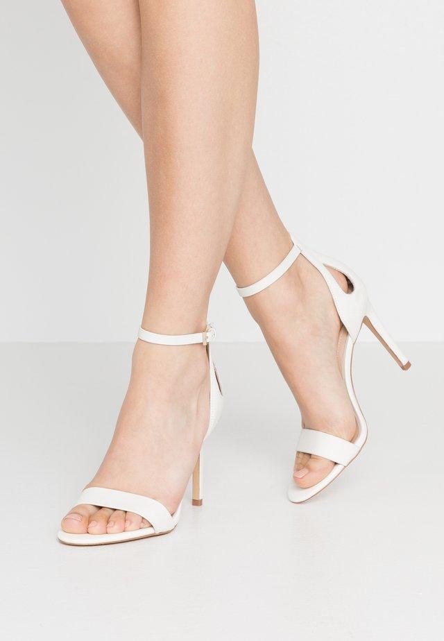 VIOLLA - Sandály na vysokém podpatku - white