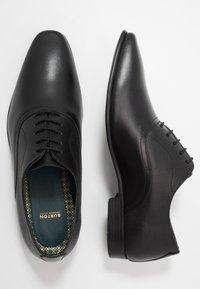 Burton Menswear London - BANKS OXFORD - Derbies & Richelieus - black - 1