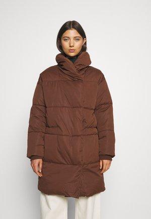 Abrigo de invierno - dark unique brown