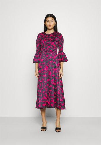 SMOCKED DRESS - Day dress - slate