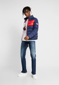 Tommy Jeans - RYAN  - Bootcut jeans - atlanta dark blue - 1