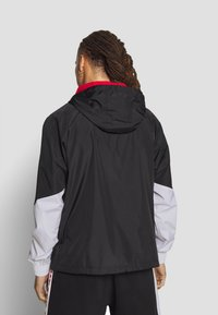 New Era - NBA PANEL WINDBREAKER CHICAGO BULLS - Windbreaker - black